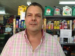 Hugo Zúñiga, gerente de Autorepuestos Zúñiga.