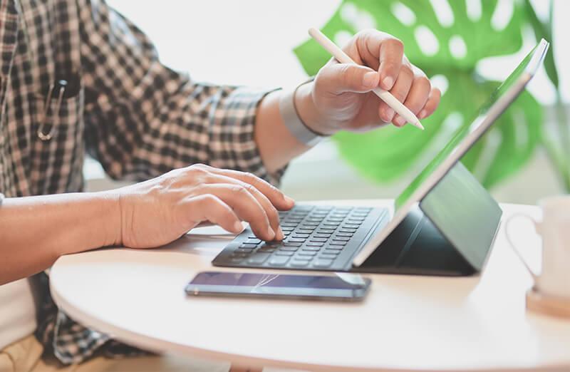 Estar en línea vs vender en línea