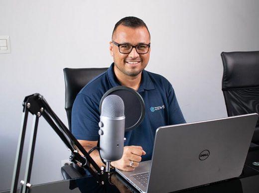 "Episodio 20 Fabián Vargas ""ZEWS Web"", de Emprende con LATAM"